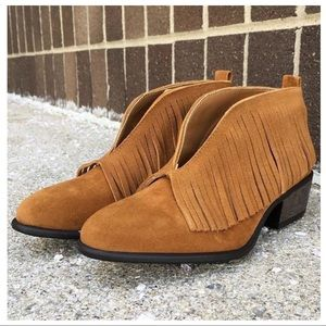 Shoes - NWOT slip on bootie with fringe